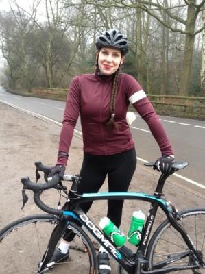 bangs-and-a-bun-muireann-carey-campbell-etape-du-tour-cycling