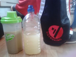 vegan-workout-drinks-organic-burst-maca-sativa-shakes-strawberry-banana