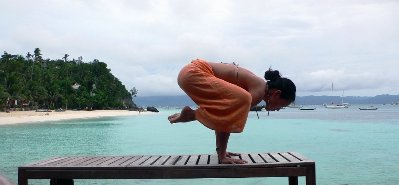 leah-kim-nike-global-yoga-ambassador-athlete-crow-pose