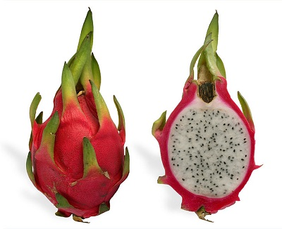 superfruit-pitaya-blanca-dragon-fruit-red-coloured-white-flesh