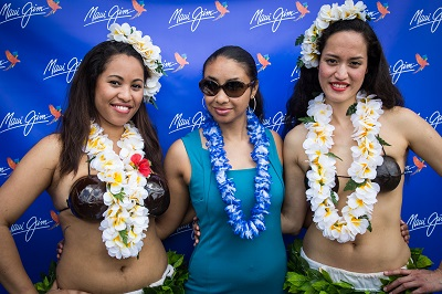 maui-jim-tennis-clinic-2014-martina-hingis-wimbledon-club-maui-jim-dancers