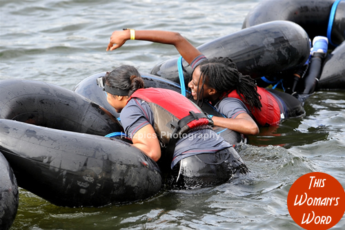 dani-this-womans-word-london-river-rat-race-august-2014-shelter-charity-rubber-rings-capsized