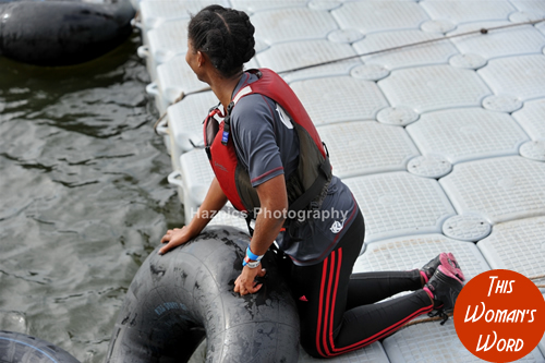 this-womans-word-team-breakin-boundrez-london-river-rat-race-2014-rubber-rings-bei-fit
