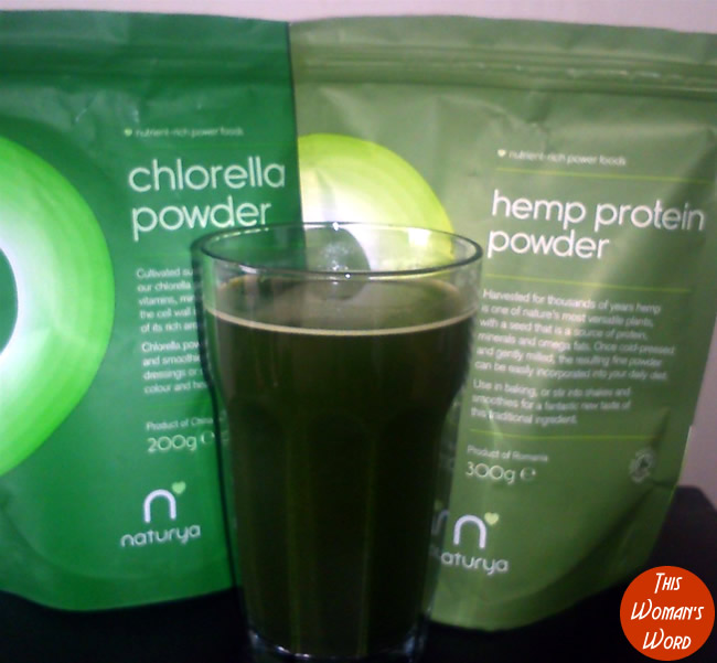 health-benefits-chlorella-hemp-protein-powder-naturya-uk-superfoods