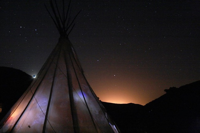 tipi-valley-eco-surf-and-yoga-retreat-in-the-western-algarve-of-southern-portugal-tipi-valley-at-night