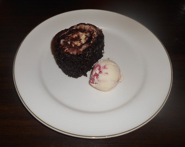 a-country-hotel-that-a-french-king-a-us-president-and-a-rap-superstar-all-love-hartwell-house-hotel-and-spa-spa-cafe-valrhona-chocolate-and-cherry-roulade