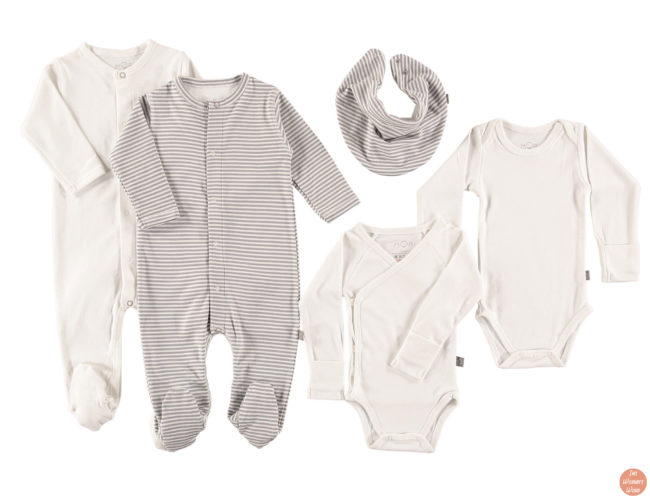 top-ten-gift-ideas-for-babies-and-toddlers-organic-fairtrade-clothing-edition-baby-mori-newborn-starter-set