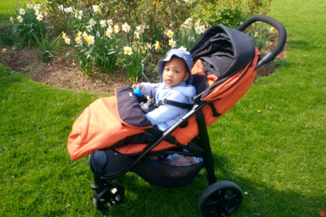 joie-litetrax-4-review-a-full-featured-and-extremely-affordable-pushchair-view-of-large-shopping-basket