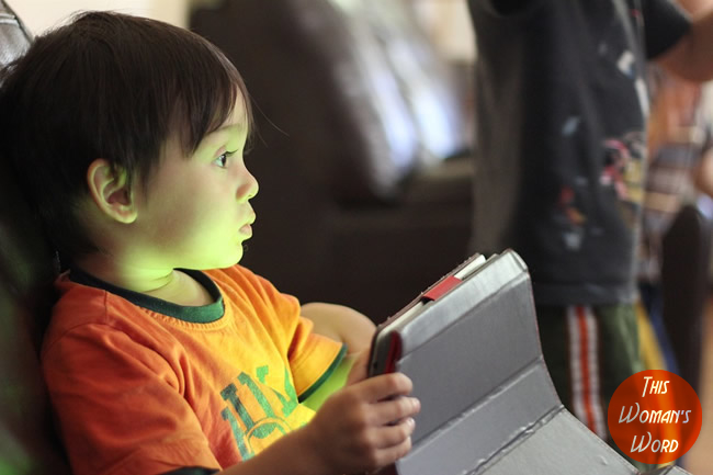10-things-to-consider-when-travelling-abroad-with-children-under-5charge--kids-tablets